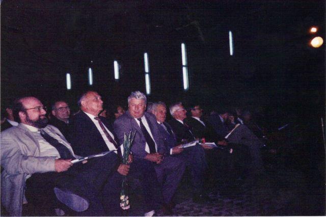 moreni-2004-clubul-flacara-lansarea-candidaturii-lui-ion-lazarescu-la-primarie