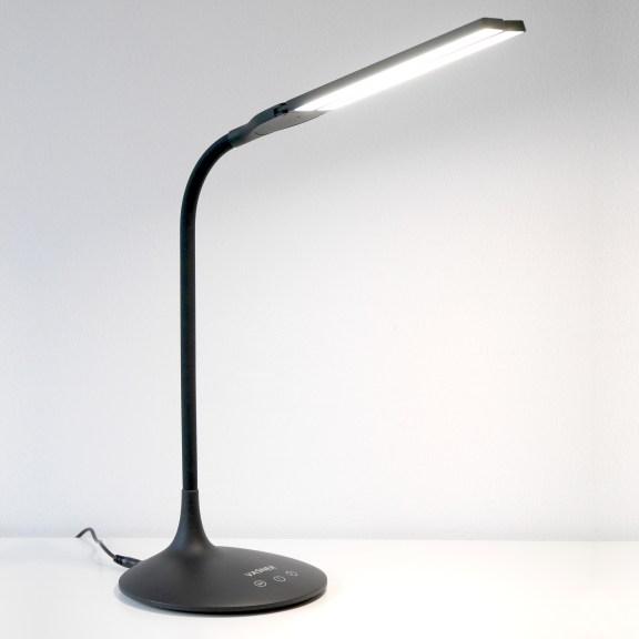VASNER-Splitty-black-LED-Schreibtischleuchte-front-3
