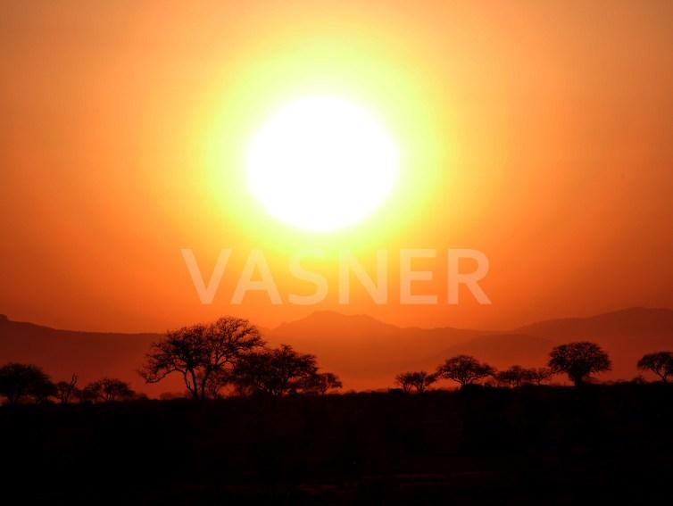 Sonnenuntergang Afrika Motiv Infrarotheizung Bild VASNER Panora