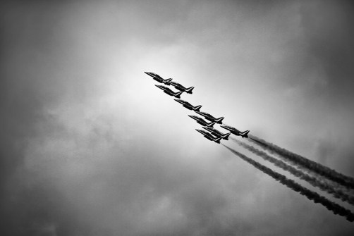 red arrows_V