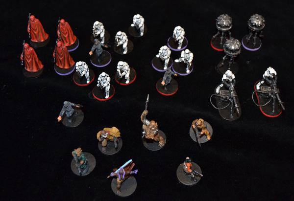 Algunas miniaturas del Imperial Assault.