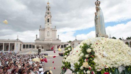 Buổi rước kiệu Đức Mẹ tại Fatima