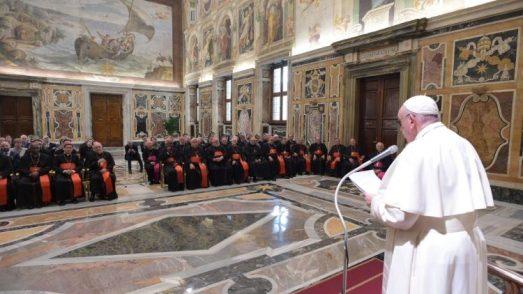 教皇フランシスコ、教皇庁教育省の関係者と 2020年2月20日