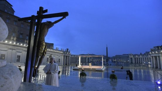 Pope: crucifix our compass and hope in life