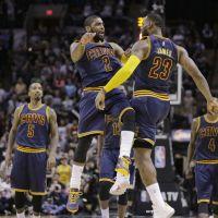 57 punti per Kyrie Irving nella vittoria dei Cavs contro gli Spurs