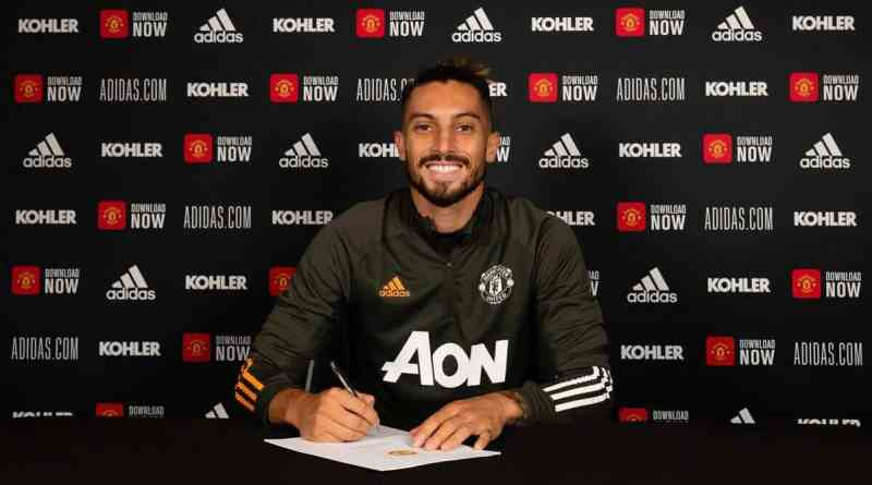 New Manchester United signing set for debut as he travels with the squad