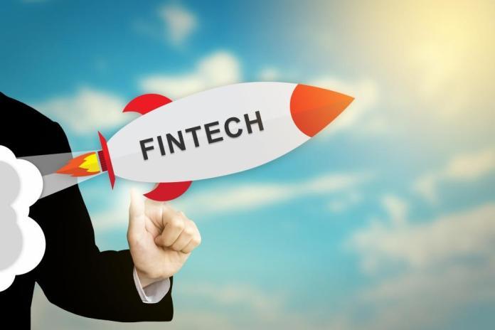 Der Berliner Fintech-Company Builder FinLeap erhält 39 Mio. EUR von Signal Iduna, der SBI Gruppe, der Hannover Rück und der NIBC Bank.
