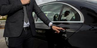 Der Limousinenservice Blacklane sammelt in einer Series D-Finanzierungsrunde einen achtstelligen Betrag von btov Partners und den strategischen Investoren Alfahim und Daimler Mobility Services ein.