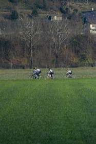 Mendrisio: presentazione anello ciclabile di San Martino. Nella foto ciclisti sul percorso pianeggiante della pista. © Ti-Press / Benedetto Galli