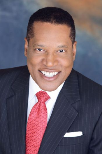 A headshot of nationally syndicated public radio host Larry Elder.