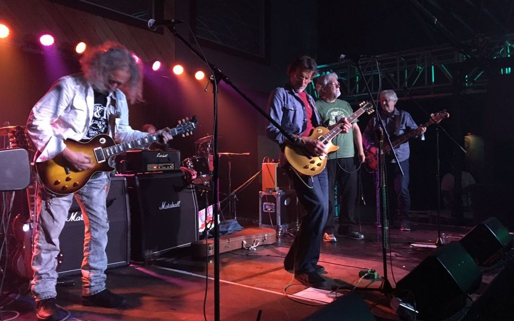 NIGHT MOVES   Live at Discovery