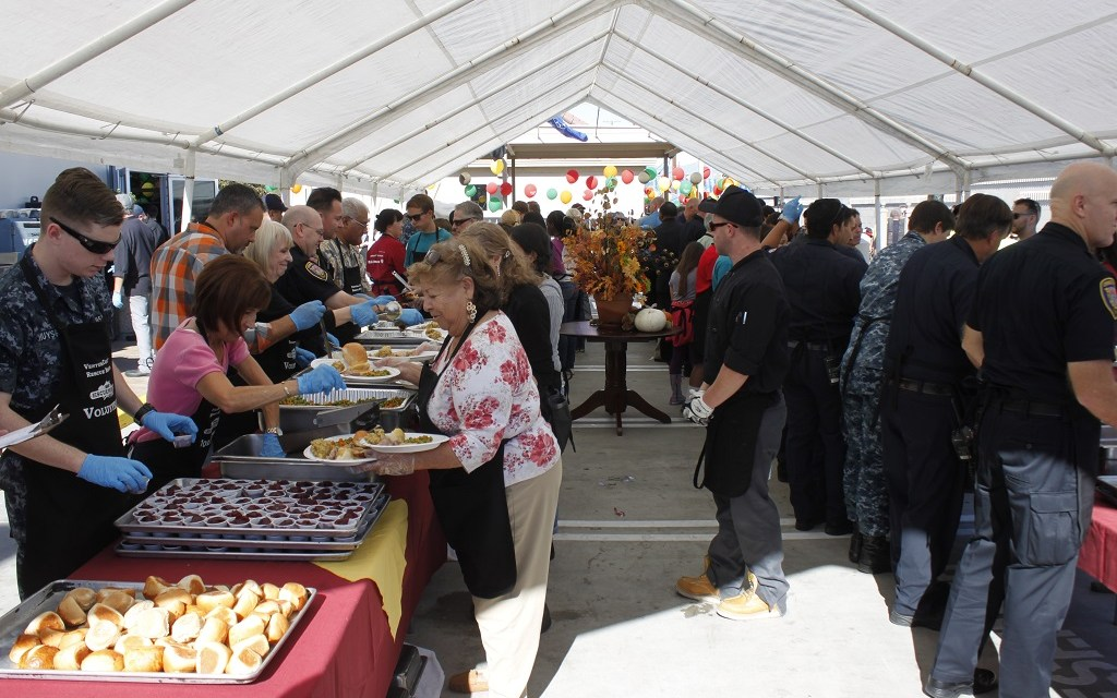 FAMILY FOR A DAY | Rescue Mission sets the table for Ventura County's homeless, poor