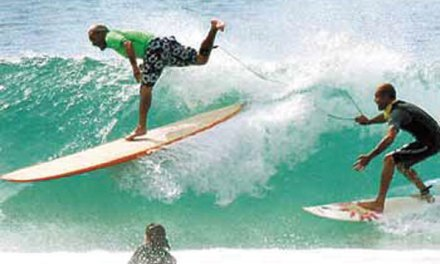 Locals seek fewer contests at Surfers Point