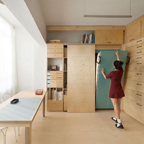 dezzen.com Space-saving modular studio for an artist by Raanan Stern