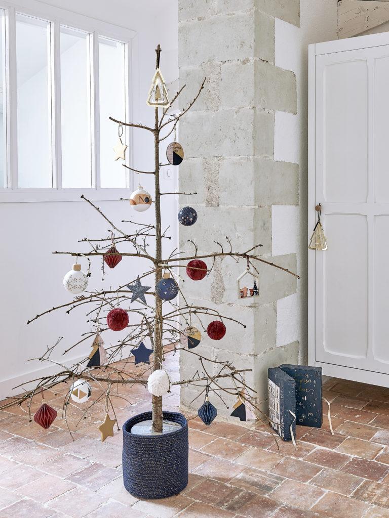 idee per alberi di Natale originali fatti con rami secchi