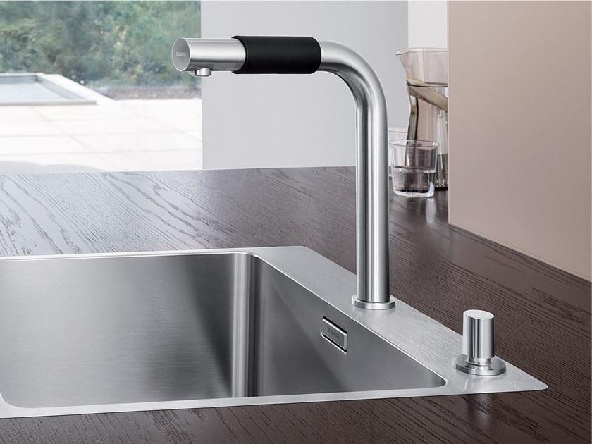rubinetto per lavandino della cucina minimal