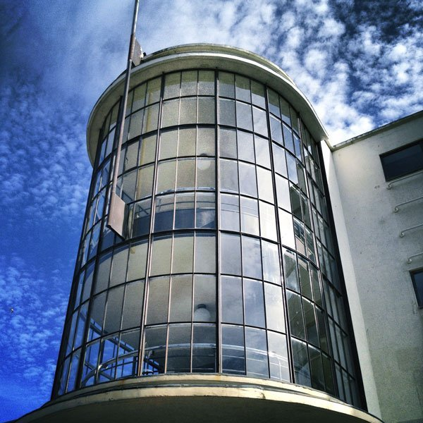 The amazing De La Warr Pavilion in Bexhill, East Sussex is an International Style building constructed in 1935 and designed by the architects Erich Mendelsohn and Serge Chermayeff, considered by some to be in an Art Deco style