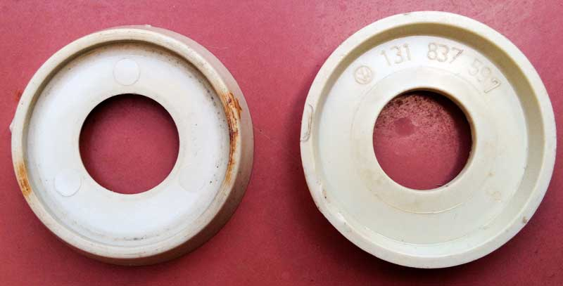 1965>67 Plastic Escutcheons (x2) VW Part Nº 211-837-235