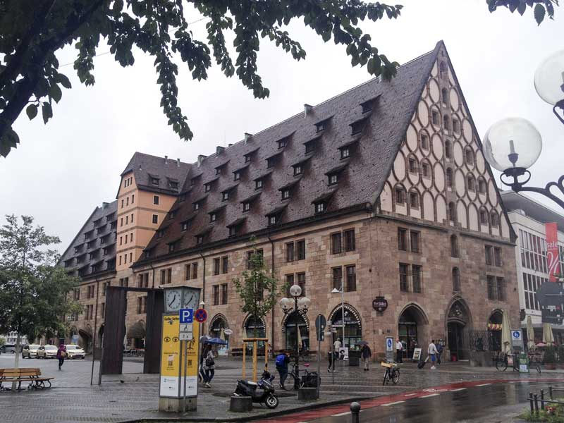 the seem to like a good sized pitched roof in Nuremberg!