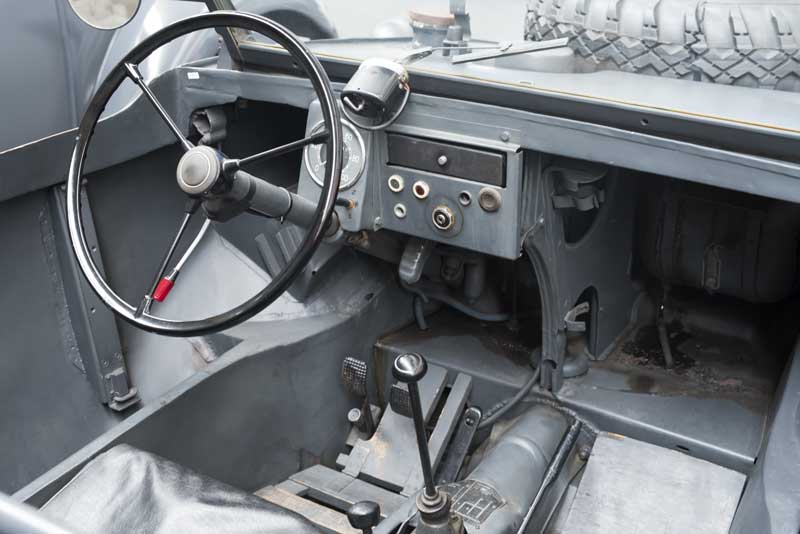 the bare necessities of a Schwimmwagen interior