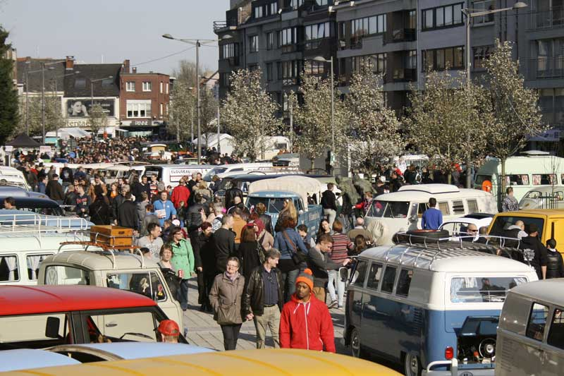 various air cooled VW's take over the streets and Ninove town centre for a fun show day for all involved
