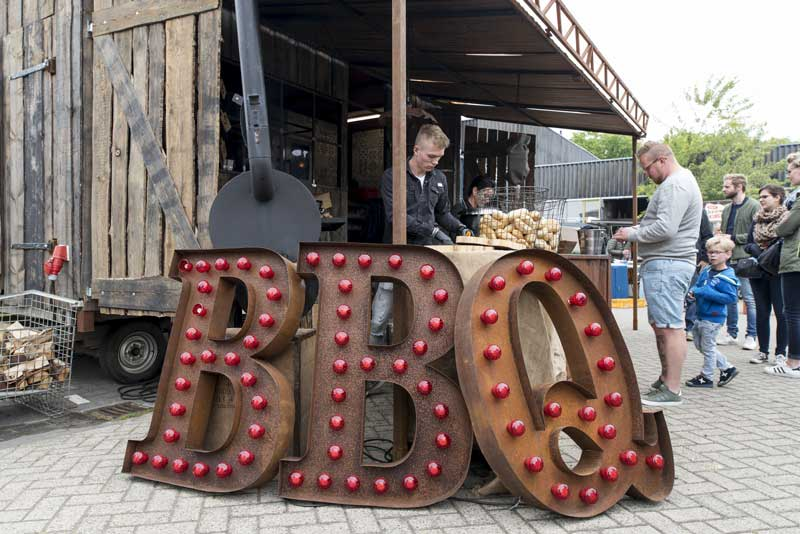 typography and smokehouse BBQ, what's not to like!