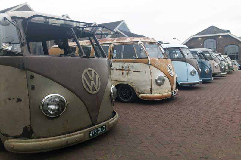 early start, grey skies, but the barndoor buses are soon filling up the display area…