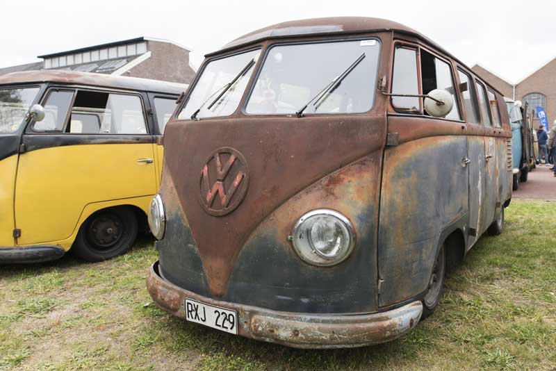 for those that are hard core patina fans, aged and sun burnt paint from the roof down