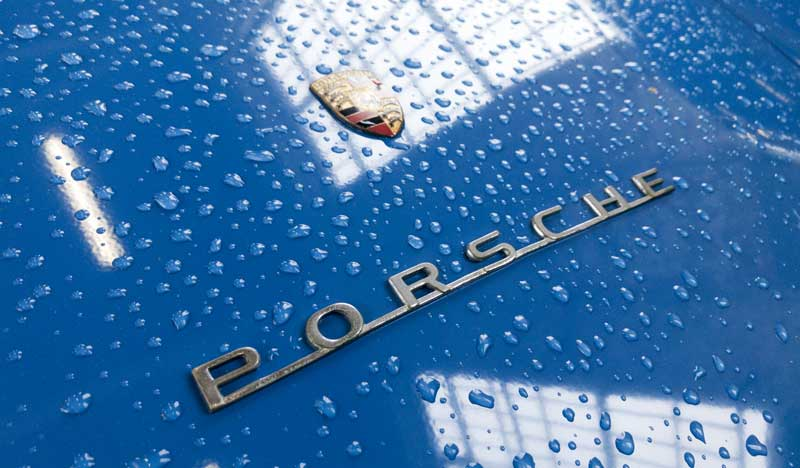 rain does not stop play… a whole range of cool looking Porsches came for the day