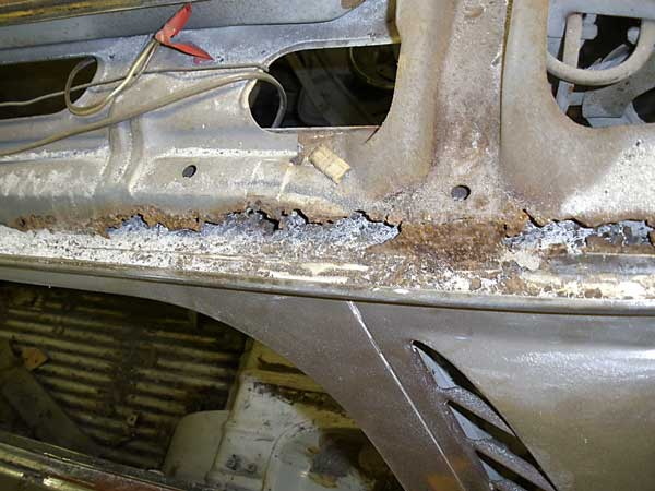 The rust affected area has extended just past the inner carrier/hinge support
