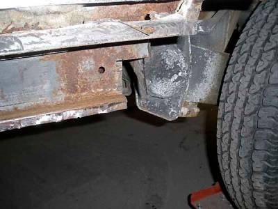 With the perforated outer short sill removed, the inside structure can get repaired