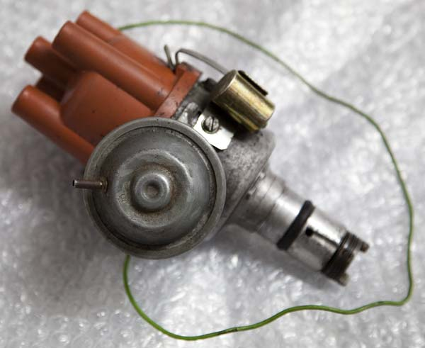 Original Bosch vacuum advance distributor