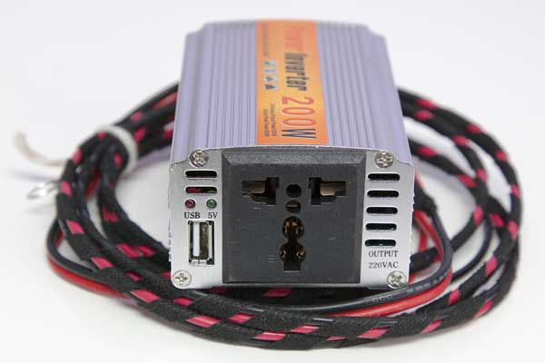 inline fused 200w relay with a handy 5v USB port