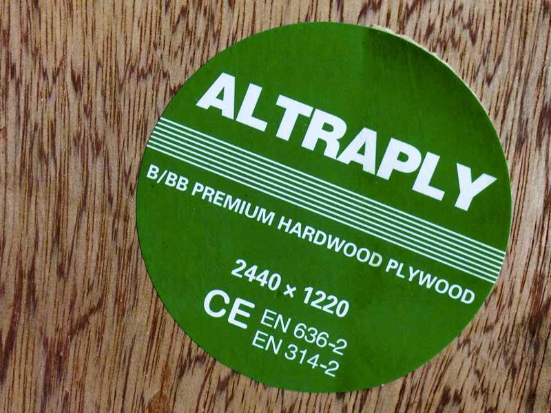 great quality 2.400 x 1.200 x 17mm sheet of premium hardwood plywood