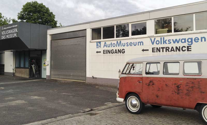 early morning, first in line at the VW Auto Museum