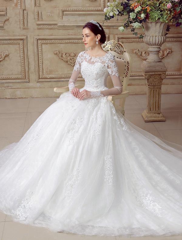 Wunderschnen Hochzeitskleider 2016 Alinie Spitzen Rckenfreies Tll Brautkleid Mit Langen