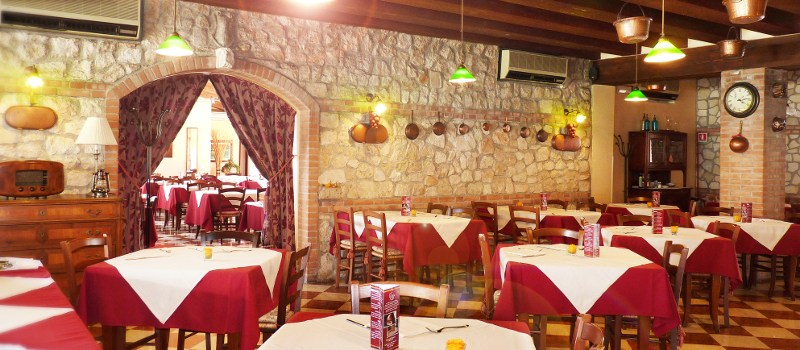 sala_ristorante_pizzeria_vecchia_posta.Thiene-Vicenza