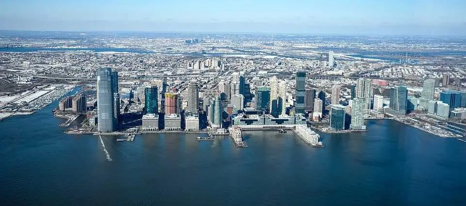 Enjoy moving to Jersey City with ease - courtesy of Vector Movers NJ.