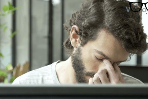 LENTI A CONTATTO E OCCHIALI NELL'ERA DIGITALE: come ridurre lo stress visivo