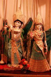 18 Radha Krishna