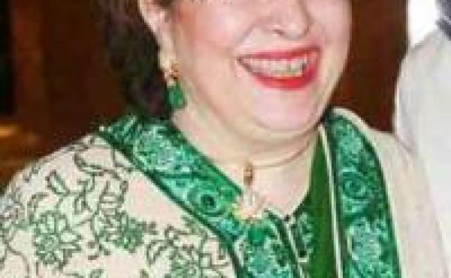 Ritu Nanda Profile Biography And Life History Veethi