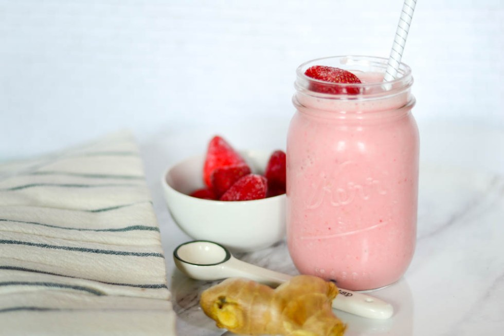 strawberry smoothie recipe image