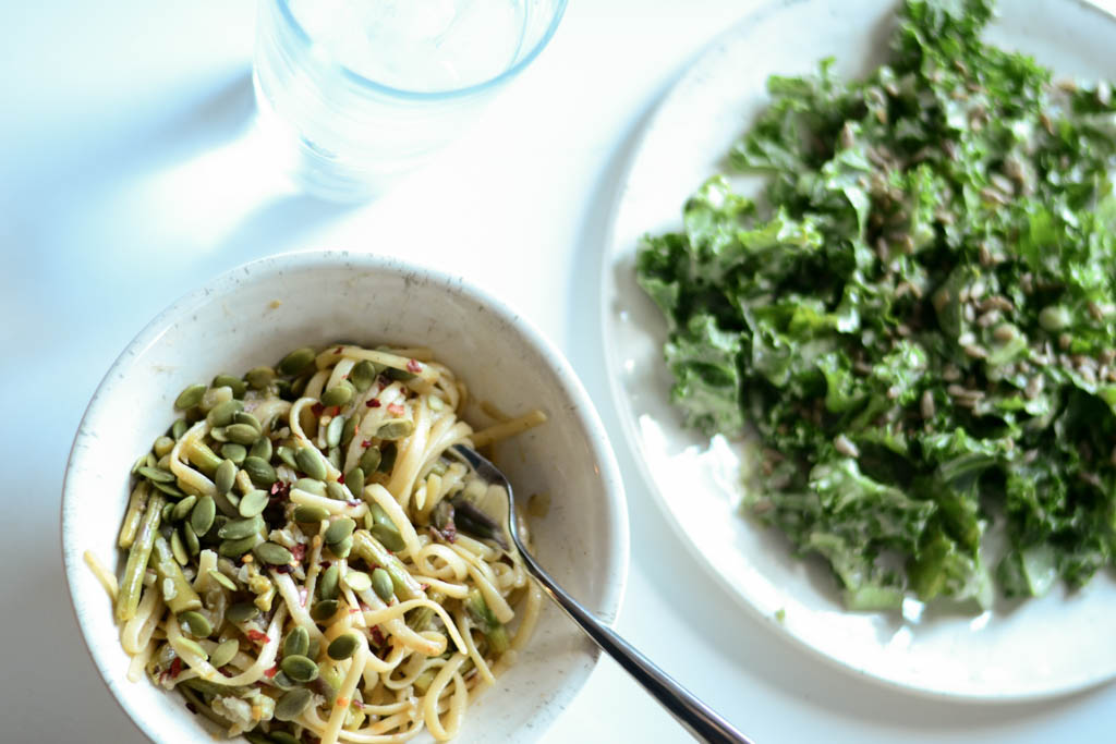 This buttery White Wine & Asparagus Pasta is an easy vegan pasta recipe that your whole family will love! Ready in under 30 minutes. Make it tonight! #veganfood #veganrecipes #recipeoftheday
