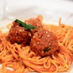 Vegan spagetti recipe with Beyond Meat meatballs. #veganfood #veganrecipes #vegan #pasta