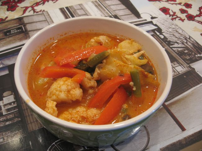 Zuppa thai al curry rosso e verdure  Vegan blog  Ricette Vegane  Cruelty Free