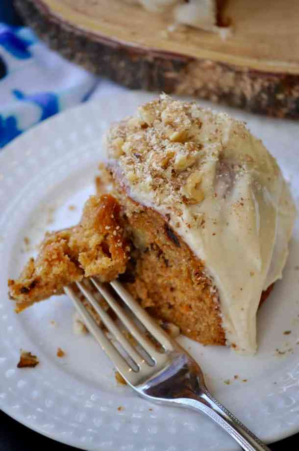 Very Best Vegan Carrot Cake https://www.veganblueberry.com