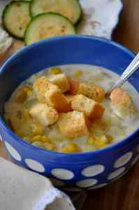 20 Minute Favorite Vegan Corn Chowder http://veganblueberry.com