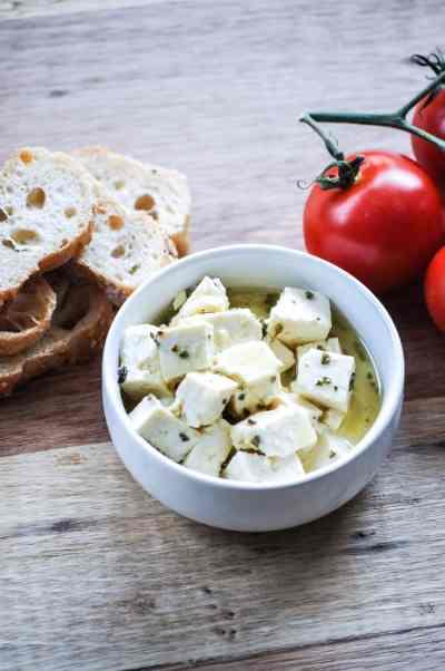 Vegan Tofu Feta with Tomato, Spinach, and White Bean Pasta http://www.veganblueberry.com