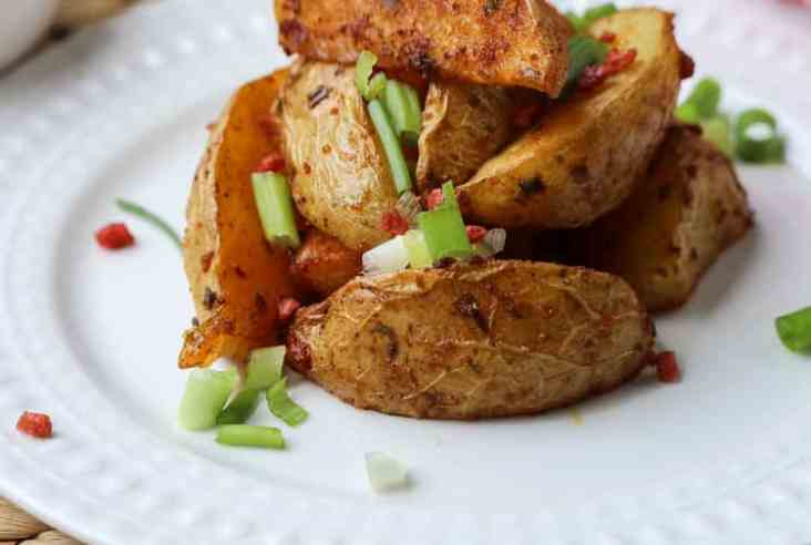 Bacon-style Vegan Baked Potato Wedges https://www.veganblueberry.com