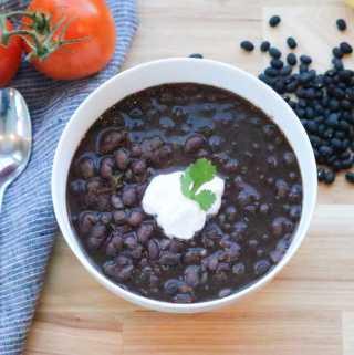 Instant Pot Vegan Black Bean Soup https://www.veganblueberry.com